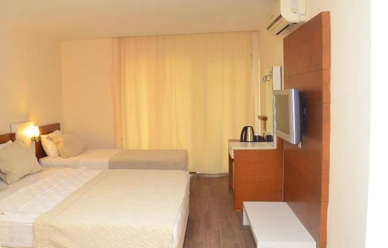 Sunbird Apart Hotel - Room - 3