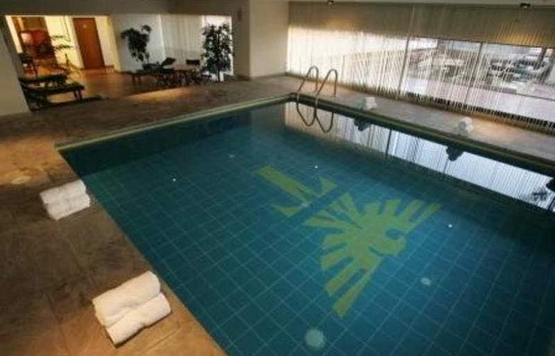 Thunderbird  Fiesta Hotel & Casino - Pool - 7