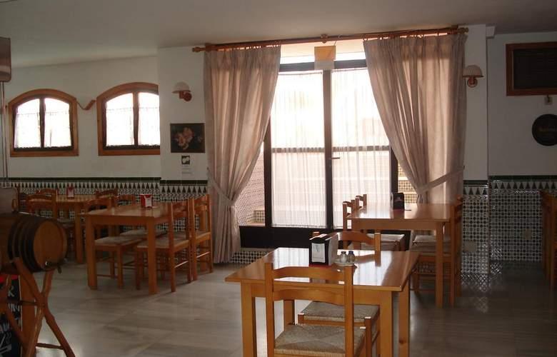 Apartamentos Fenix - Restaurant - 4