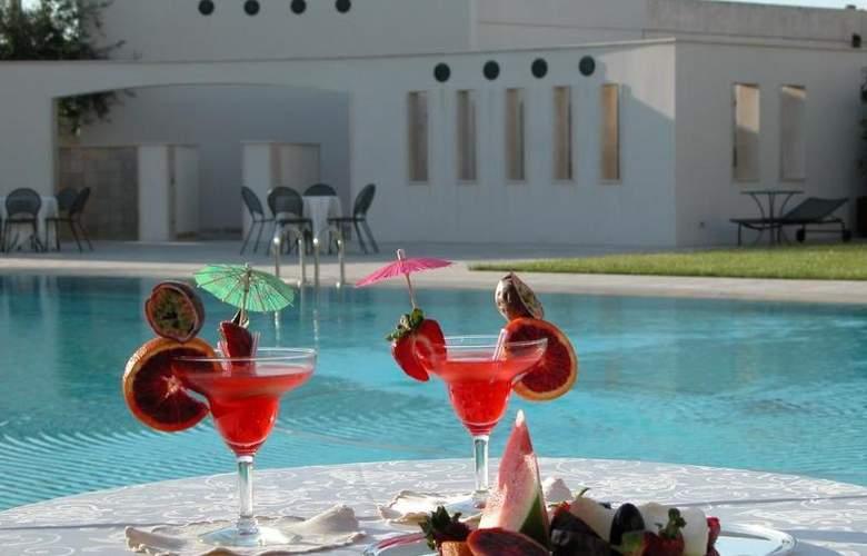 Grand Hotel La Chiusa Di Chietri - Pool - 2