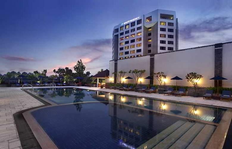 Hyatt Regency Bandung - Pool - 15