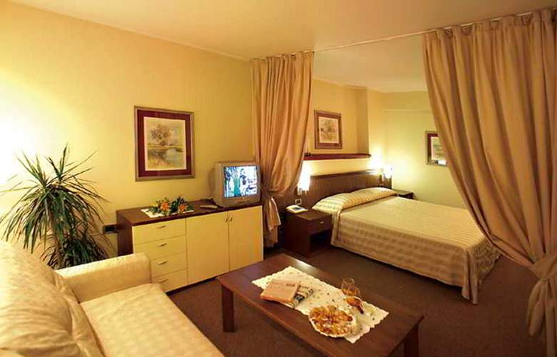 Palace - Room - 5