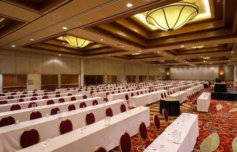 Marriott Tulsa Hotel Southern Hills - Hotel - 3
