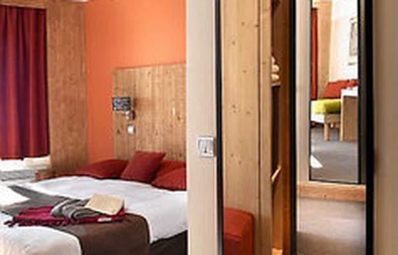 Hôtel Latitudes Les Bruyeres - Room - 0