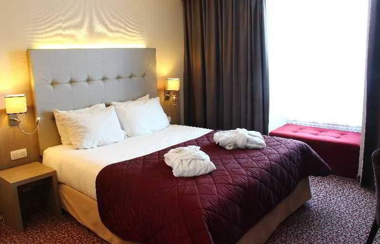 Marivaux - Room - 10