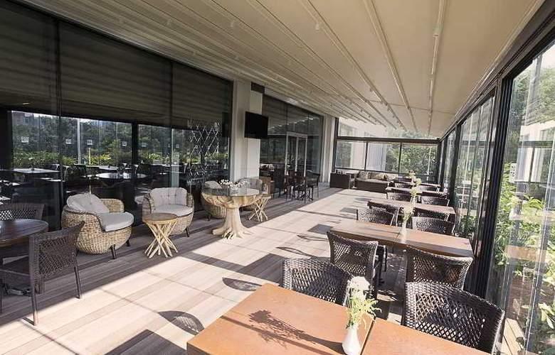 Ramada Hotel & Suites Atakoy - Restaurant - 32