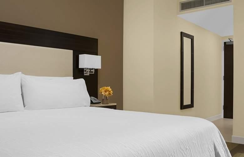 Hilton Garden Inn New York-Times Square Central - Room - 2