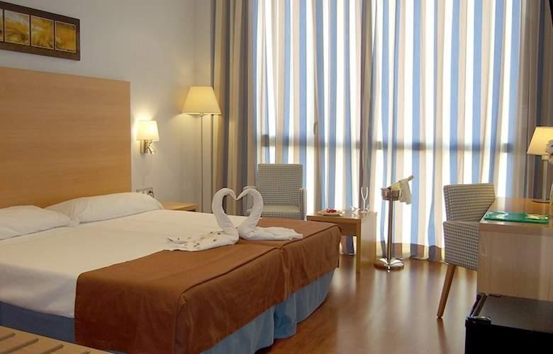 Exe Sevilla Palmera - Room - 2