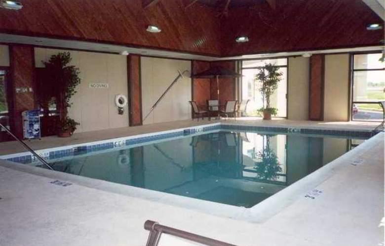 Hampton Inn Chicago-Carol Stream - Hotel - 2