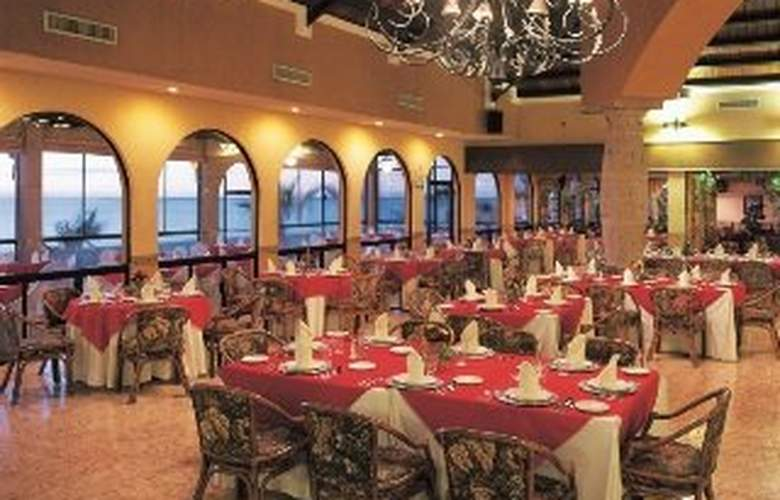 Grand Plaza La  Paz Hotel & Suites - Restaurant - 11