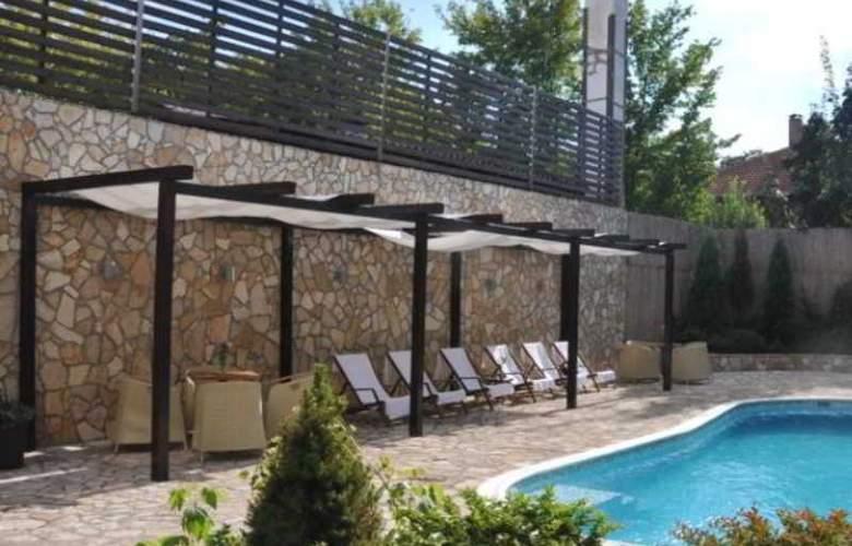 Belgrade Boutique - Pool - 5