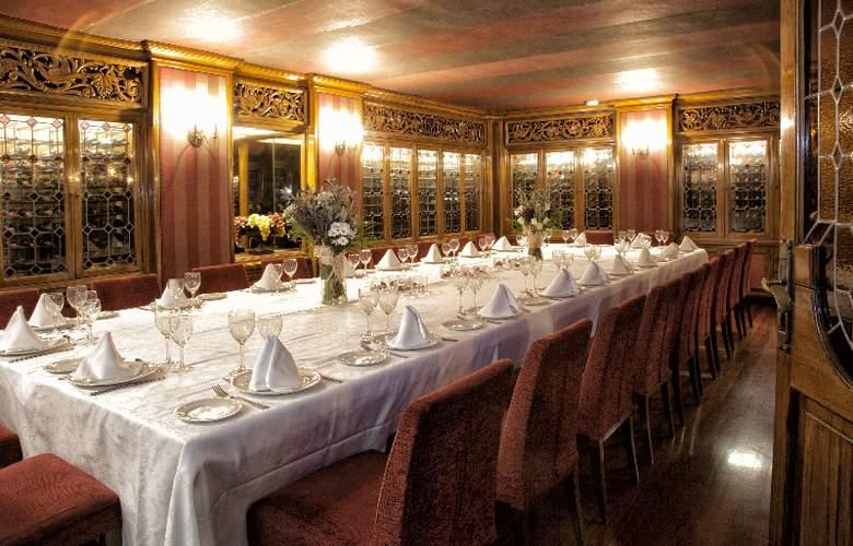 Zenit Don Yo - Restaurant - 33