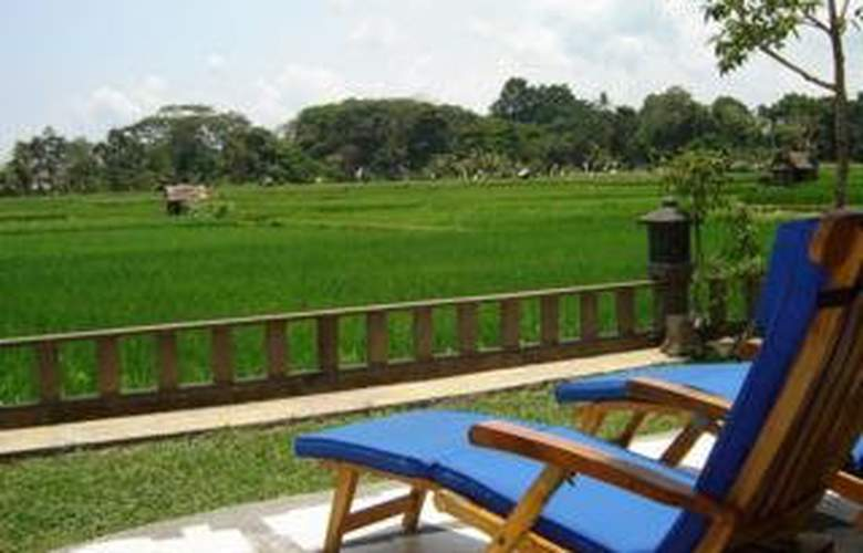 Green Field Hotel and Bungalow - Terrace - 9