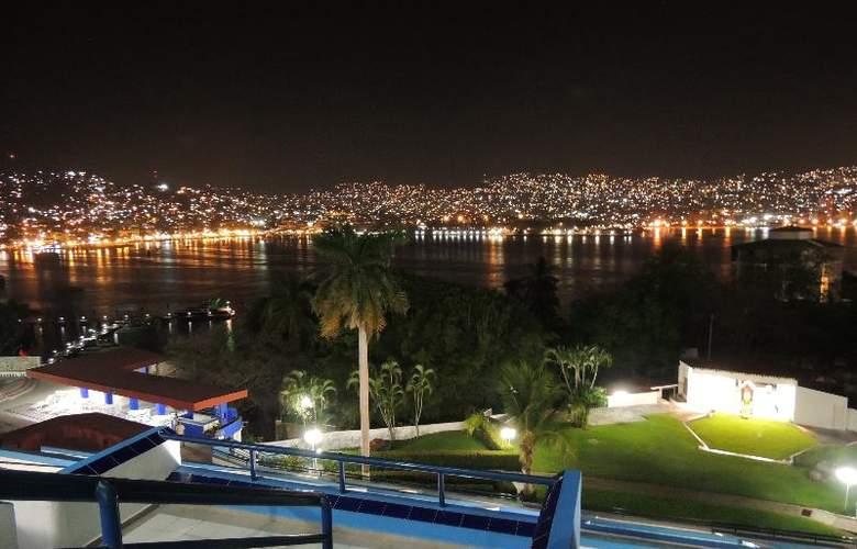Majestic Acapulco - Terrace - 21