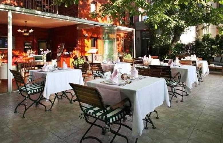 Rose Garden Suites Istanbul - Terrace - 7