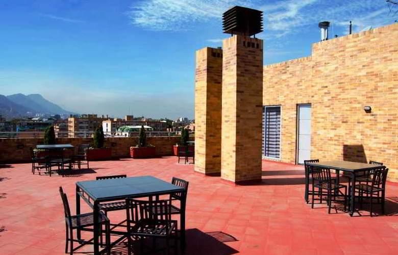 Apartahotel 122 Plaza - Terrace - 23