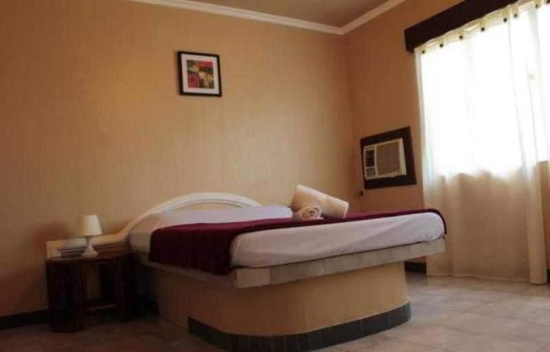 Red Knight Gardens Hotel - Room - 7