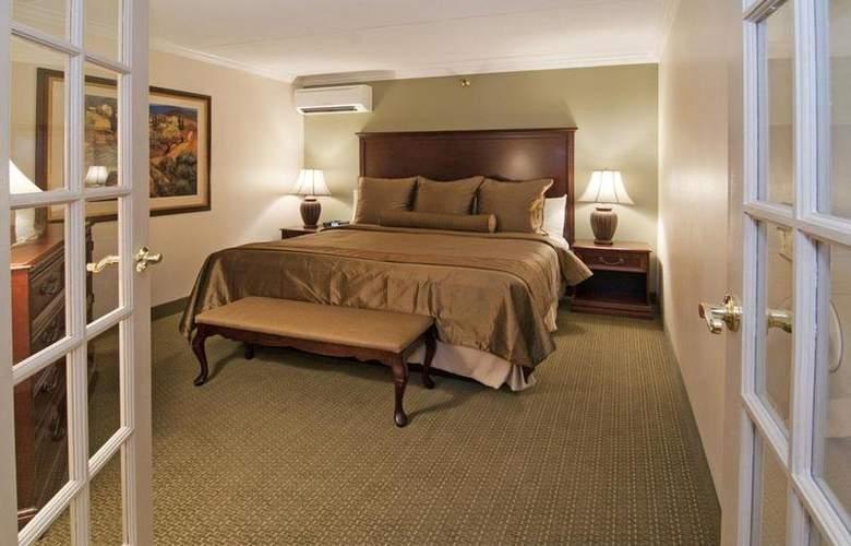 Best Western Plus White Bear Country Inn - Room - 89