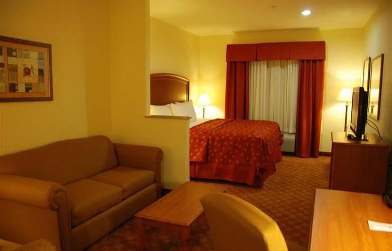 Best Western Plus San Antonio East Inn & Suites - Room - 110