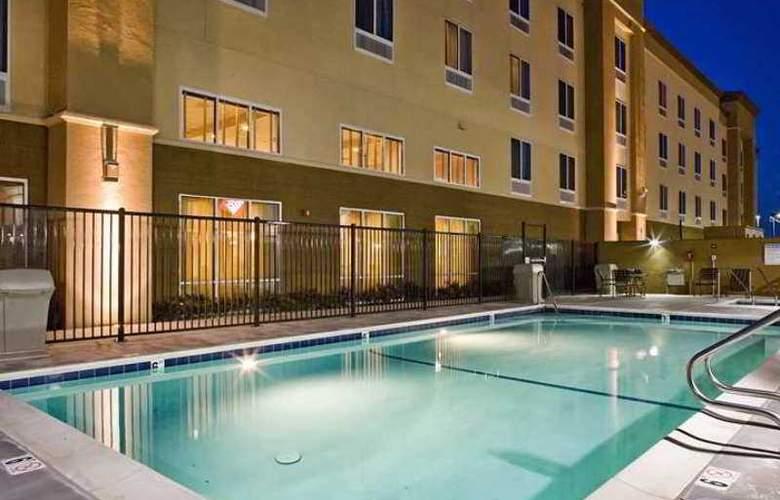 Hampton Inn & Suites Pittsburg - Hotel - 6