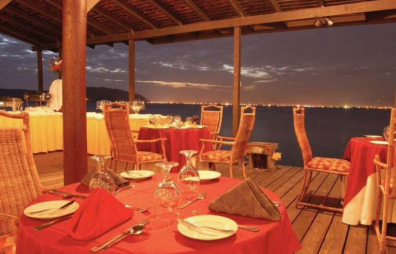 Morgan's Harbour - Restaurant - 13