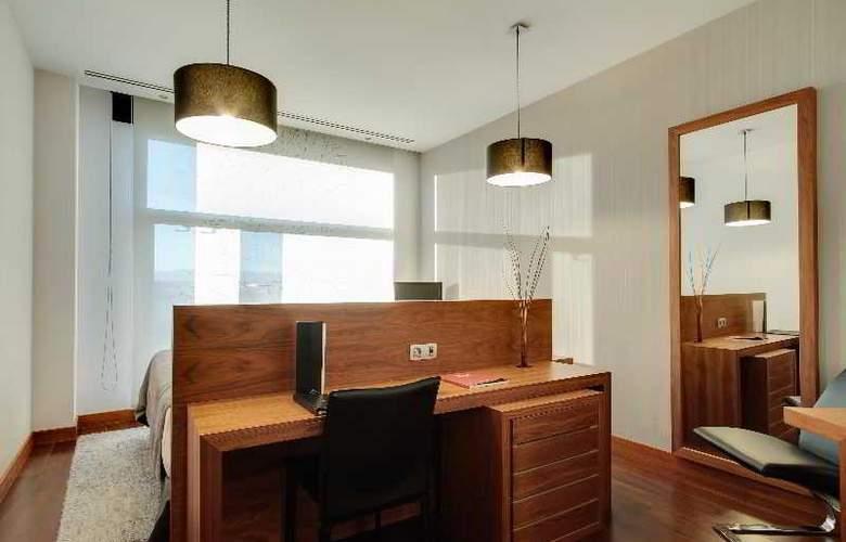 Rafaelhoteles Madrid Norte - Room - 24