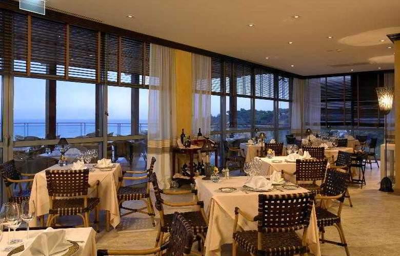 Grande Real Santa Eulalia Resort & Hotel Spa - Restaurant - 28