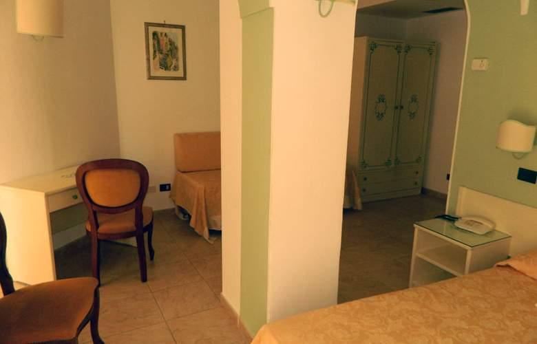 Andromaco - Room - 4