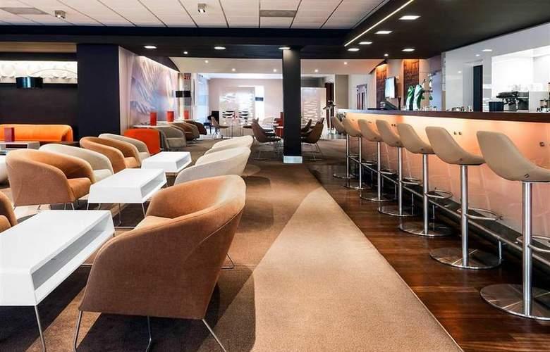 Novotel Warszawa Airport - Bar - 24