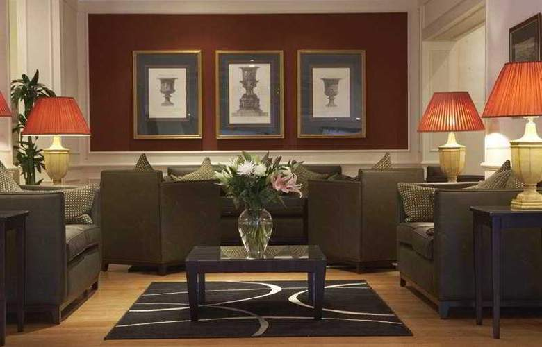 Quality Crown Kensington - General - 2