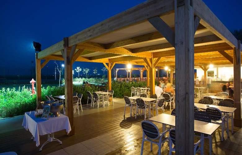 Water Side Delux Resort - Terrace - 148