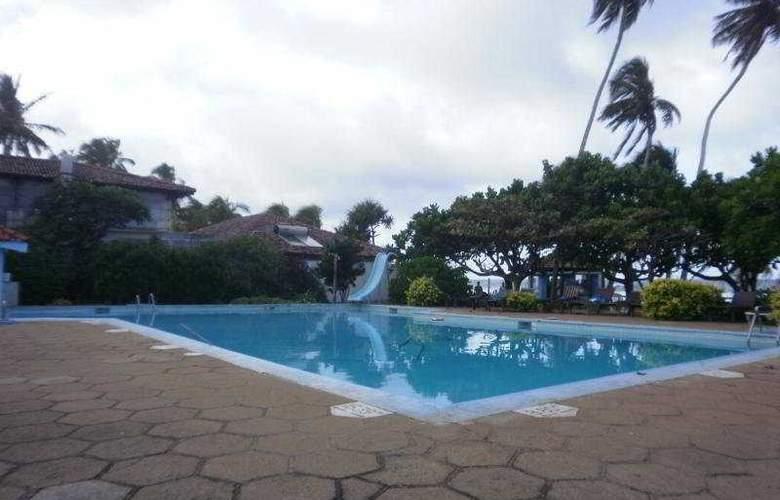 Lanka Supercorals - Pool - 6