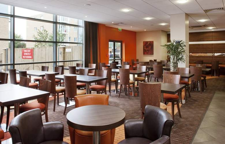 Holiday Inn Express Slough - Bar - 8