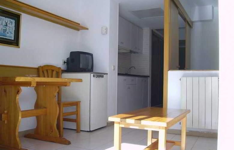 El Pinar - Room - 3