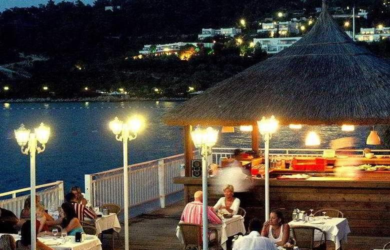 Club Blue Dreams - Restaurant - 6