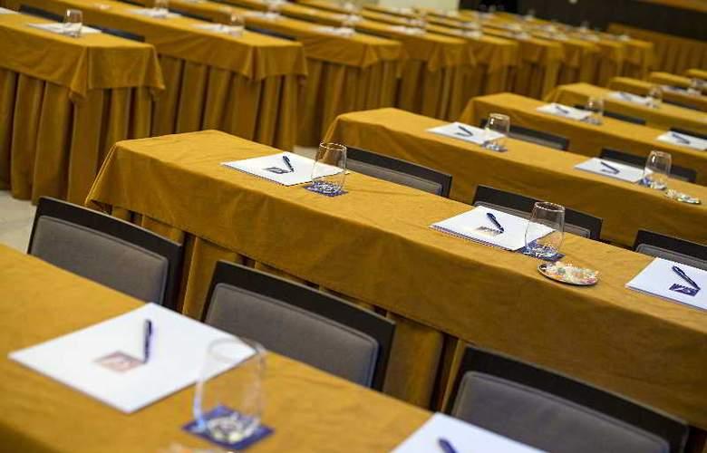 Paseo del Arte - Conference - 21