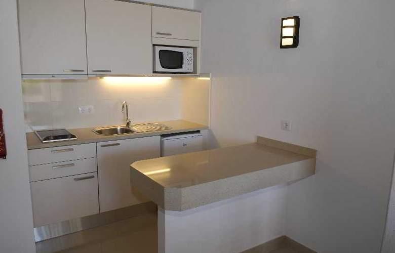 Golden Beach Apartaments - Room - 2