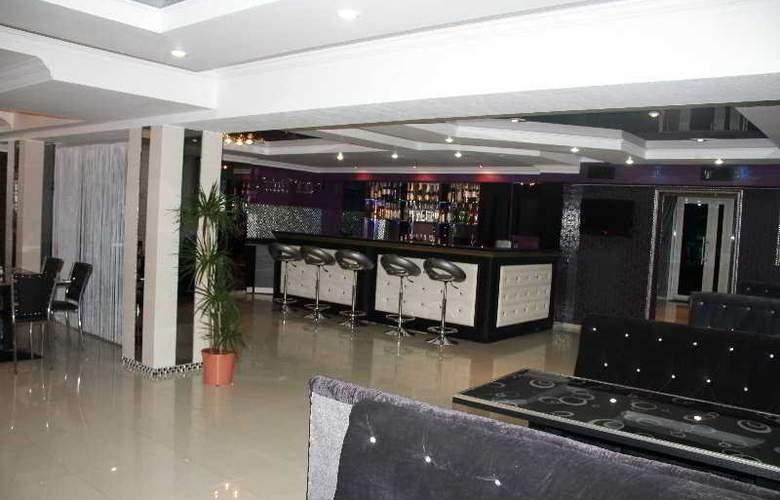 Hotel Europa - Bar - 3
