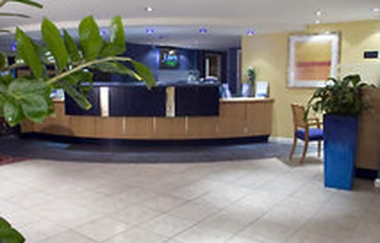 Holiday Inn Express Bristol North - General - 1