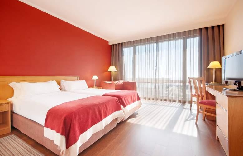 Tryp Lisboa Oriente - Room - 2
