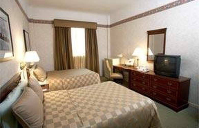 Comfort Inn Manhattan - Room - 2