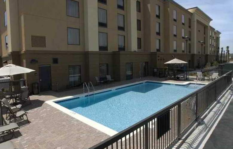 Hampton Inn & Suites Navarre - Hotel - 3