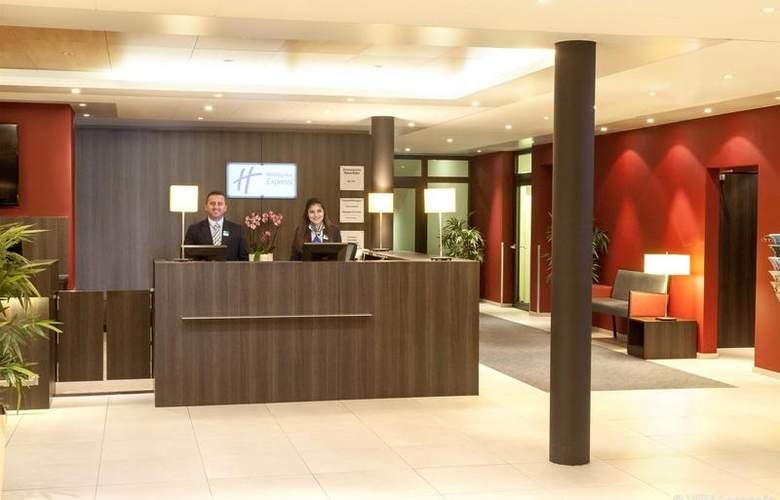 Holiday Inn Express Zurich Airport - General - 1