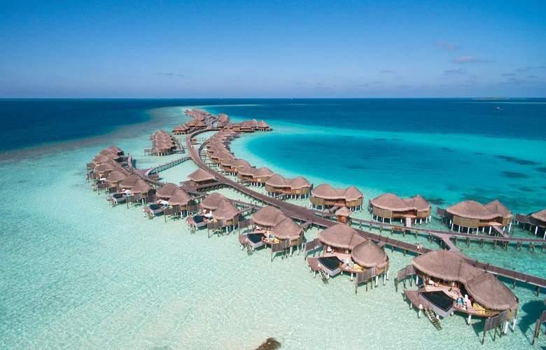 Constance Halaveli Resort - Hotel - 9