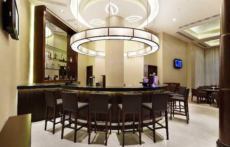 Hilton Garden Inn Mardin - Bar - 13