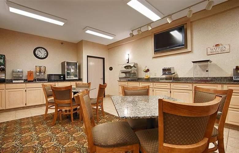 Best Western Plus Macomb Inn - Restaurant - 82