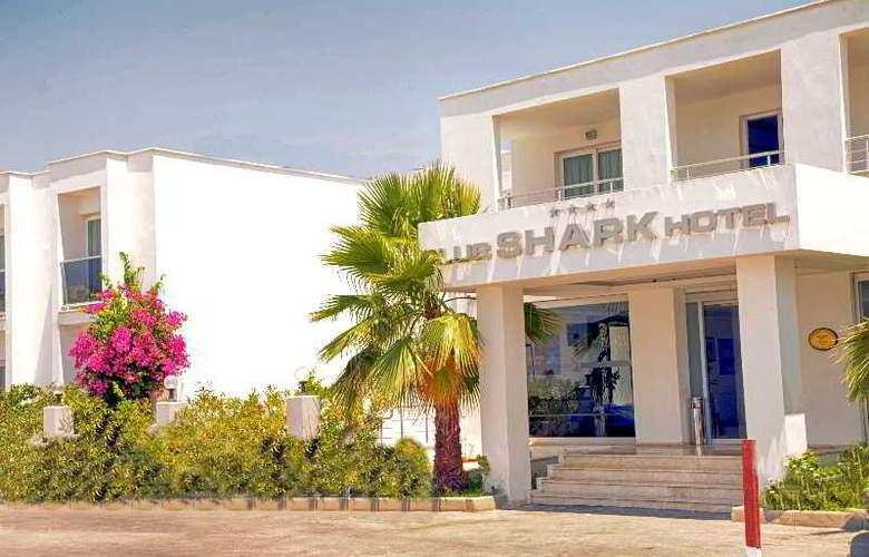 Shark Club Hotel - Hotel - 2
