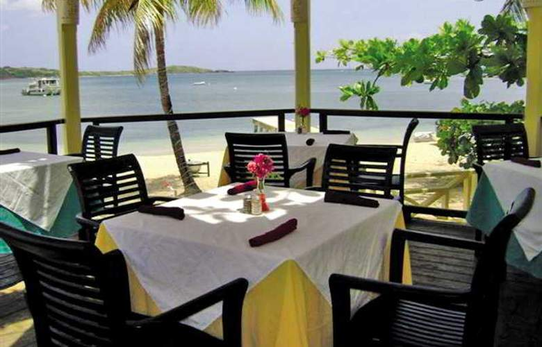 Chenay Bay Beach Resort - Terrace - 4