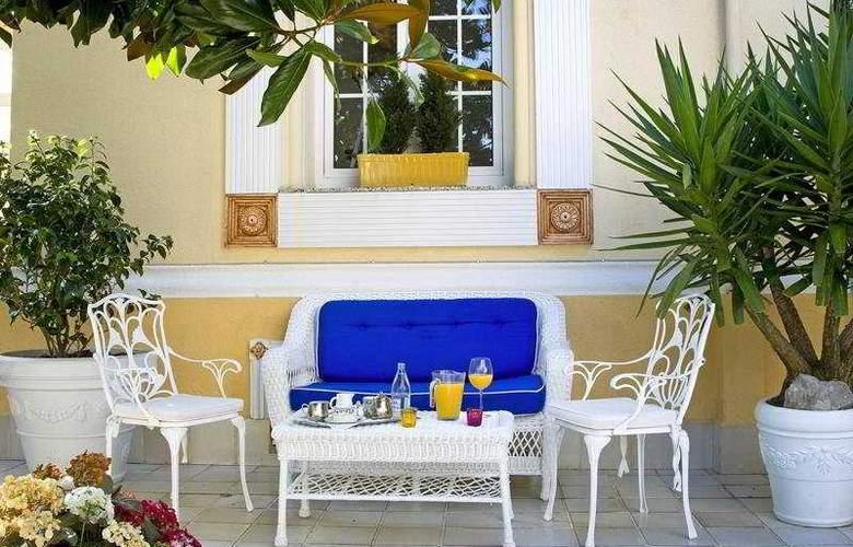 Hotel Boutique Las Brisas - Terrace - 12