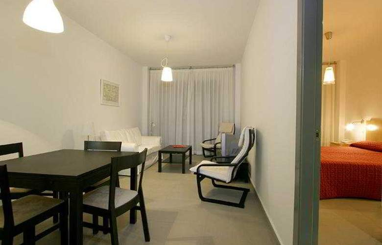 IGH Vega de Triana - Room - 5